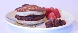 Pancakes veganos con algarroba